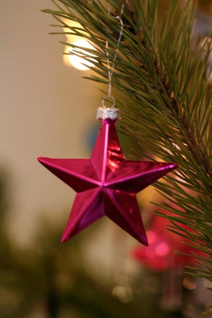 красная новогодняя звезда